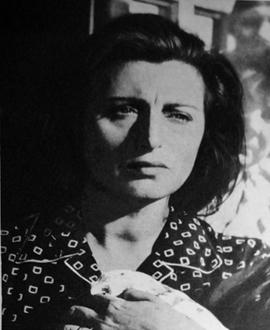 Bellissima di luchino visconti filmografia tempo massimo la cieca di sorrento cavalleria teresa - Film lo specchio della vita italiano ...